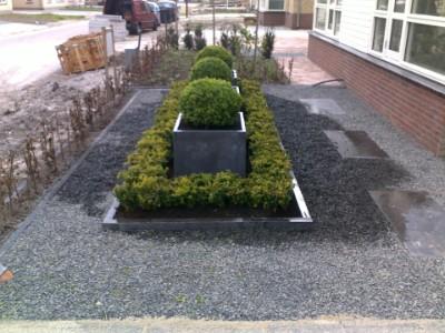 Hout beton schutting grind tuin aanleggen